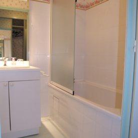 Chambre L'Azalée, salle de bain - Le Belvédère, Ascou